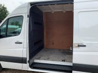 VOLKSWAGEN CRAFTER CR35 MWB HIGH ROOF 2.0 TDI BLUE TECH *6 SPEED!!! - 1310 - 18